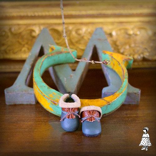 Sabots elfes de créatrices en cuir/ Paola Reina