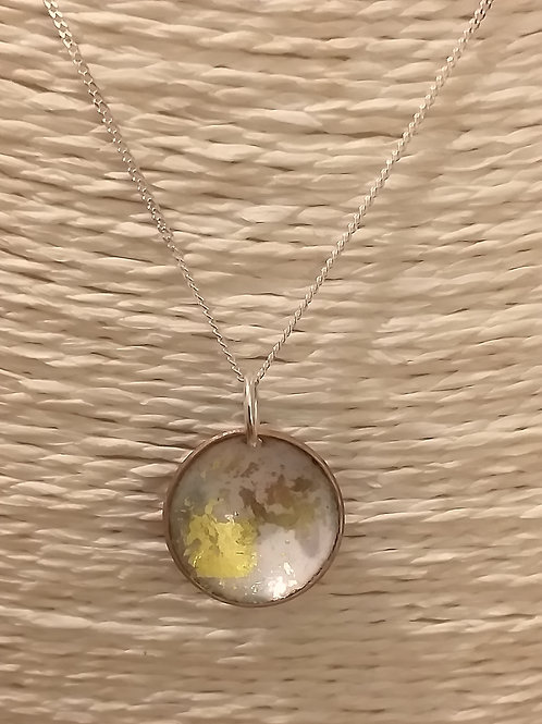 White and Gold Circular Pendant