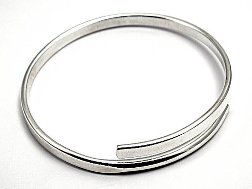 Open- Ended Silver Bangle