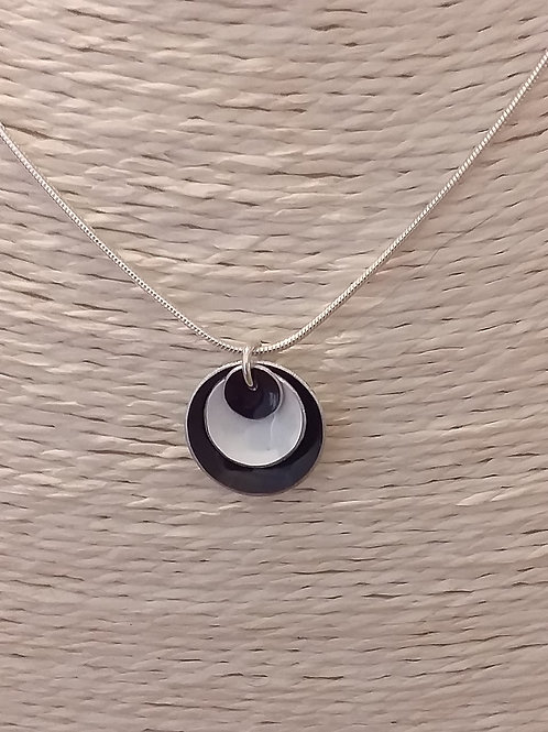 Black and White 3 Dome Necklace