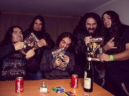 Músicos con la Efecto Metal