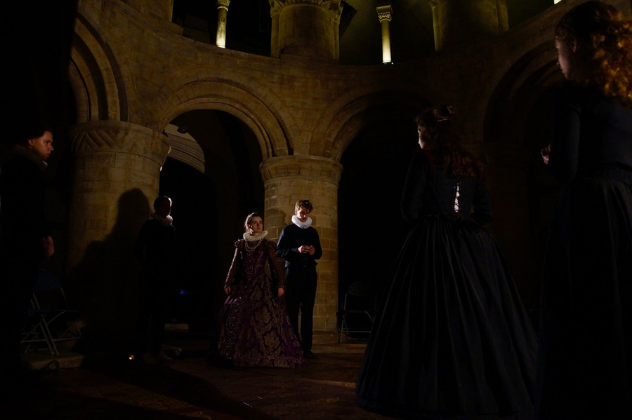 Vee Tames as Elizabeth; Matthew Sargent as Talbot