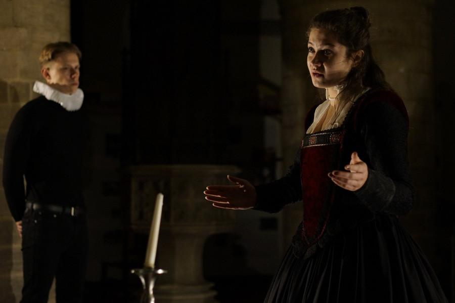Flora Macangus as Mary; Tom Foreman as Paulet