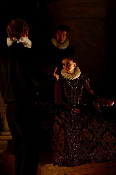 Vee Tames as Elizabeth; Adam Hardy as Davidson