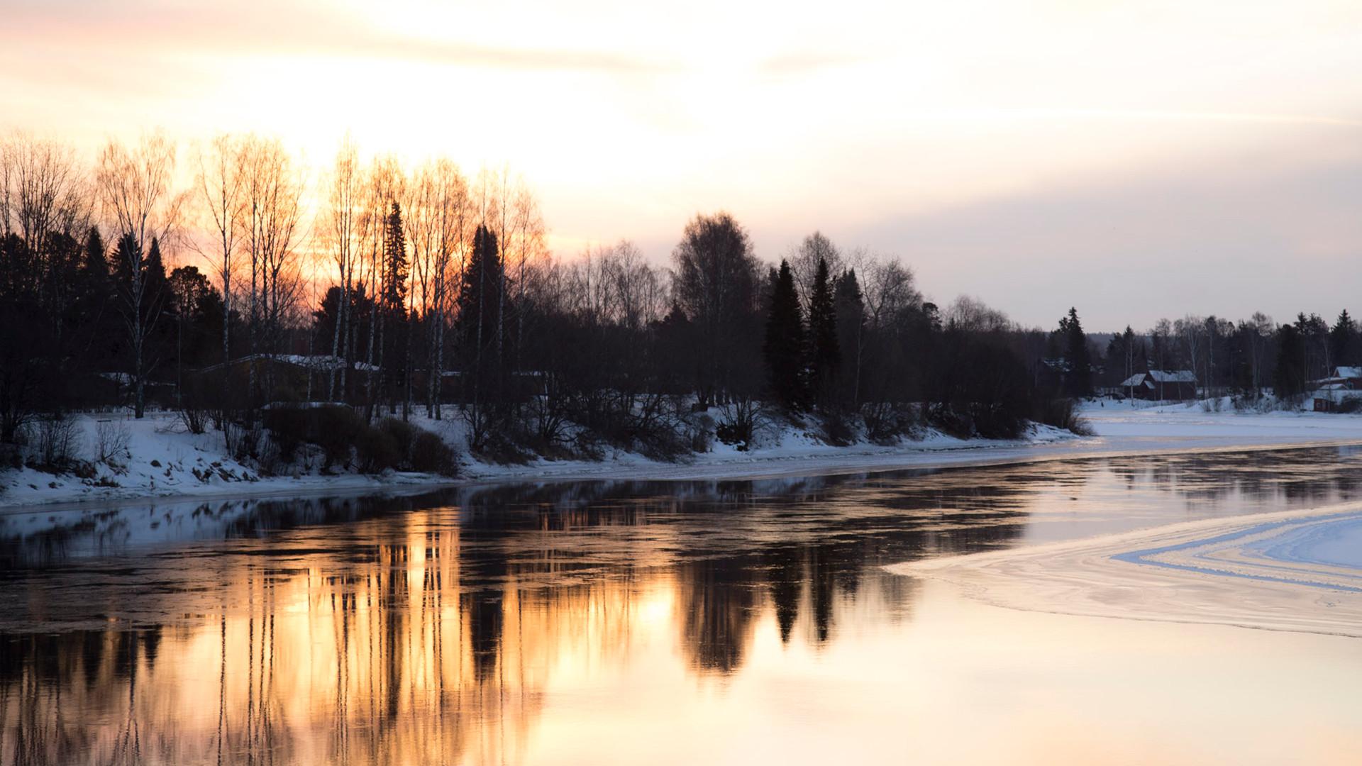 Aamuinen joki