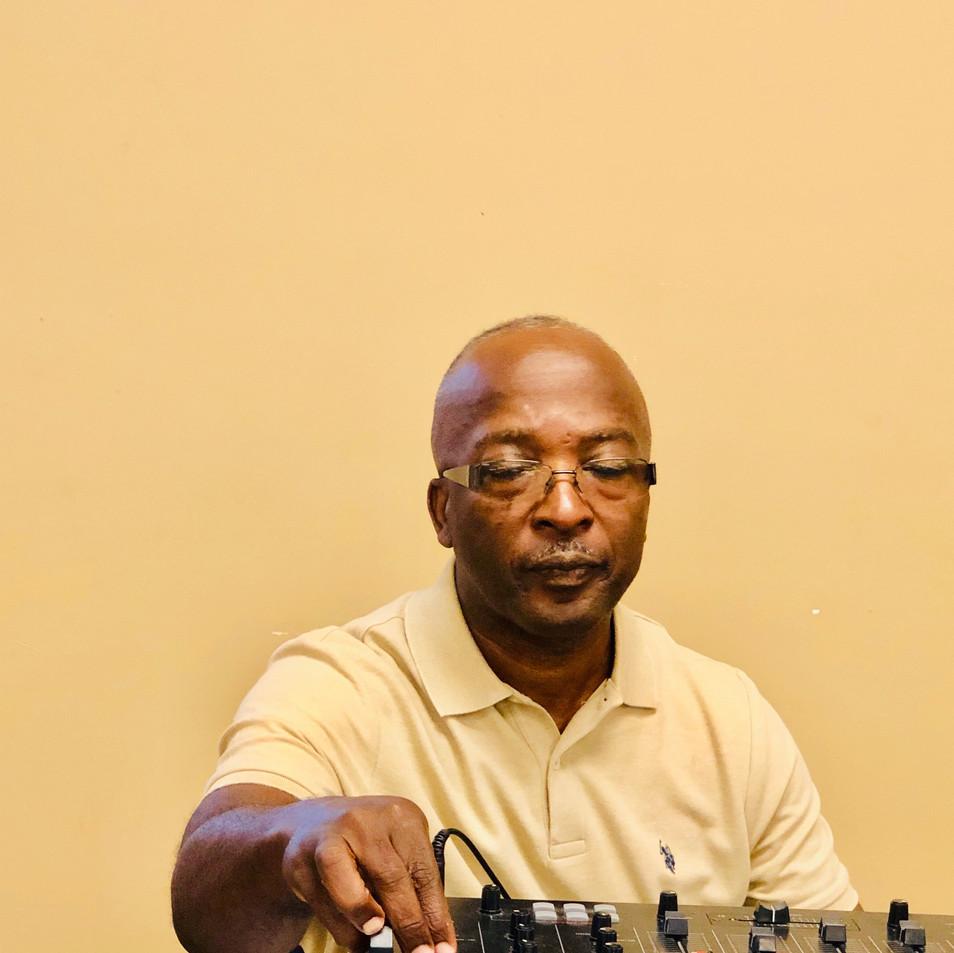 Carl Jones, DJ