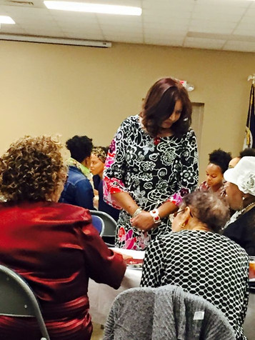 """Bertie """"Tish"""" Pannell mingling with banquet guests"""