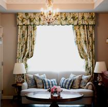 英国スタイルのカーテン