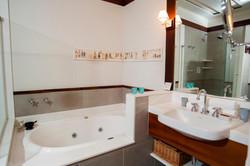 Casa Turquesa Maison Hotel - Apto Duplo Casal - Suiíte com hidromassagem