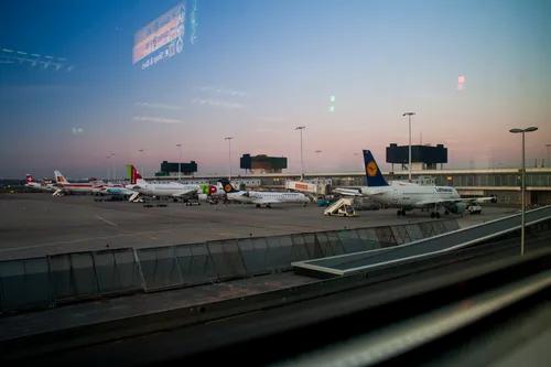 Novo estudo reafirma risco baixo de se pegar Covid-19 em avião (usando máscara)