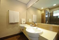 Carmel Charme Resort - Toalete - Apto Suíte Luxo