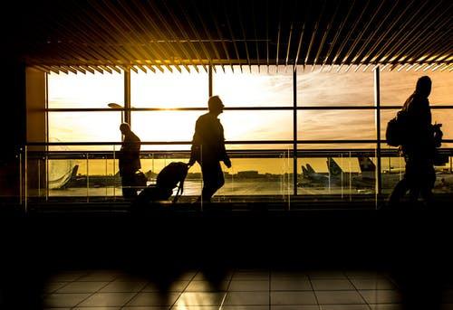 Governo vai exigir exame negativo de Covid-19 para brasileiro ou estrangeiro entrar no país