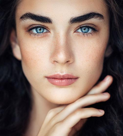 eyebrow shaping model calgary.jpg
