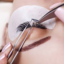 Classic Eyelash Extensions Touch-up