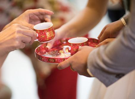 给自己父母长辈,鼓励新人使用正式的奉茶茶具