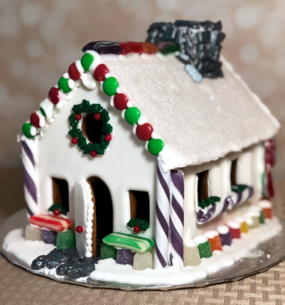 ChristmasGingerbread house design by Hello Sweetie Confectionary