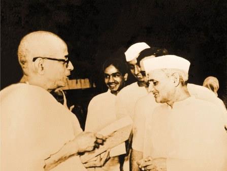 srila-prabhupada-with-indian-prime-minister-lal-bahadur-shastri.jpg