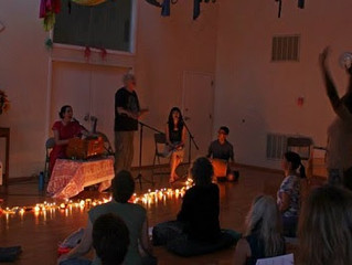 Close and Open the Year with Kirtan
