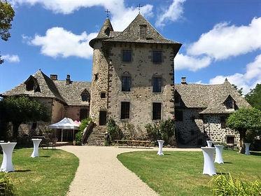 Chateau-Vixouze-Cour-Medievale-Gueridons