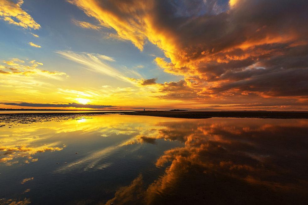 sunrise-over-the-ocean-royalty-free-imag