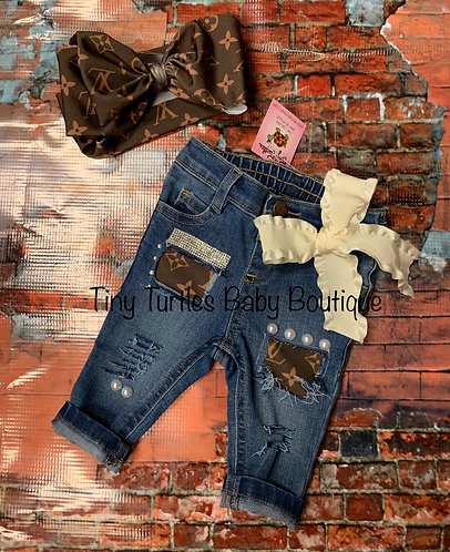 I'm so fancy distressed jeans