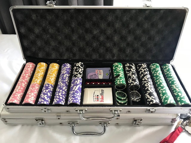 Poker table chips