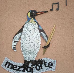 Pinguin Mosaik aus Fliesen und Glas