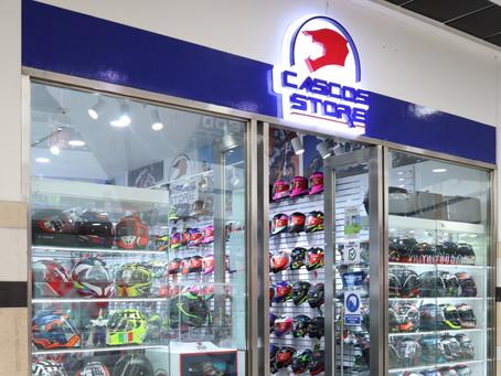 Cascos Store renueva su local en el c.c centro mayor.