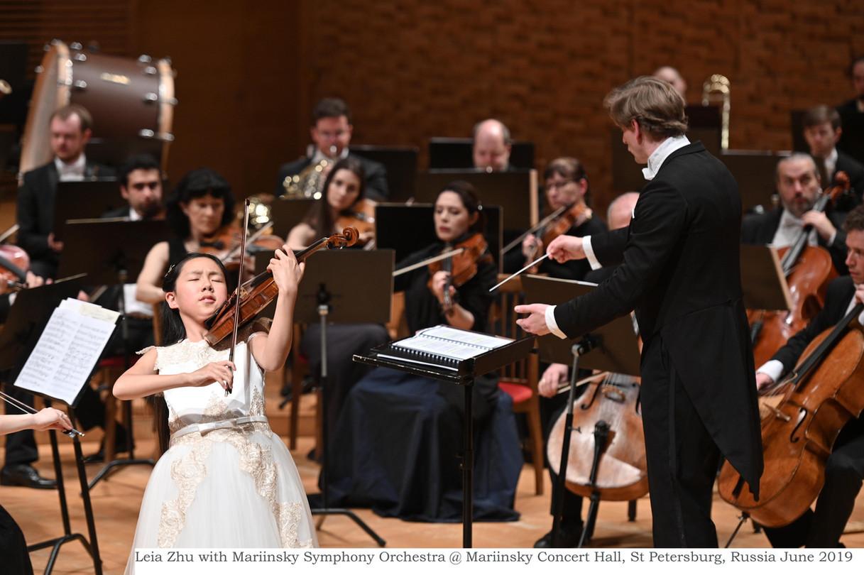 Leia Zhu with Mariinsky Symphony Orchest