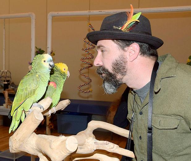 13996916_web1_181019-AUB-parrot-expo-2-P
