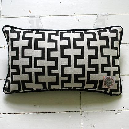 Geometric Rectangle Cushion