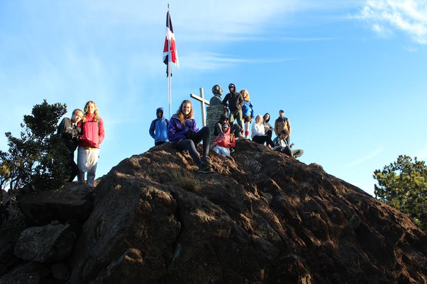 ISLA Academy Students Reach Summit of Pico Duarte