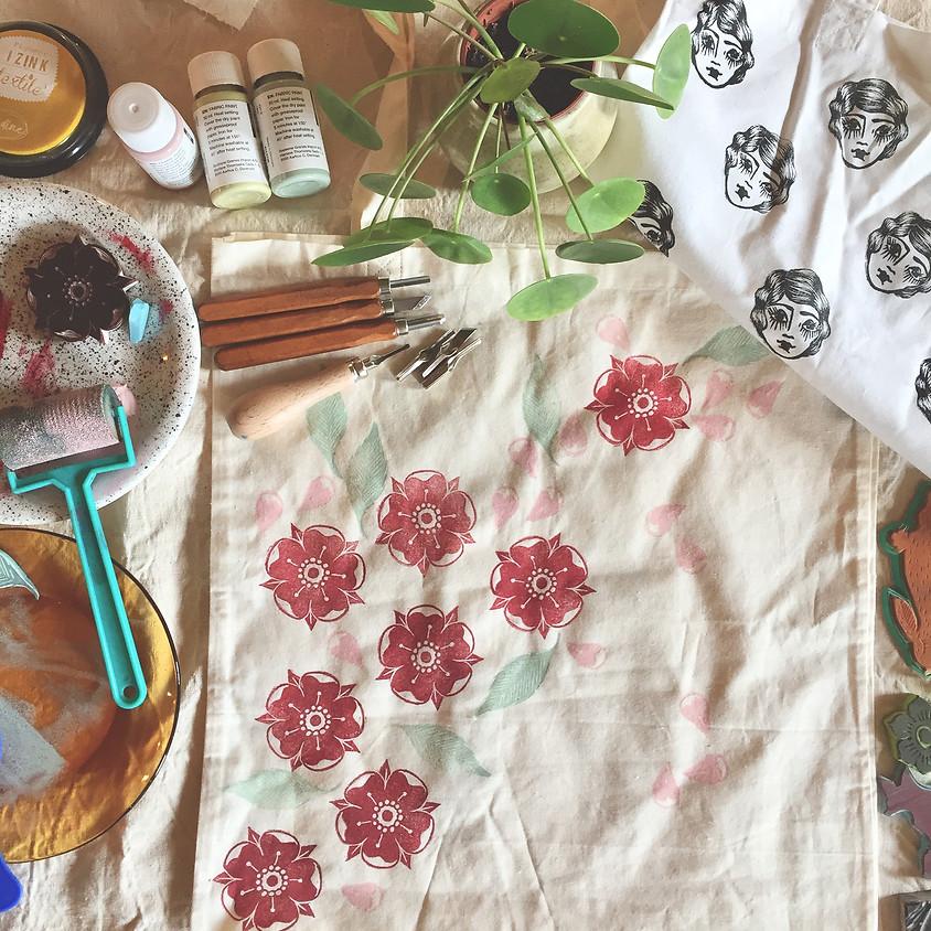 Atelier gravure de tampon sur gomme et impression textile