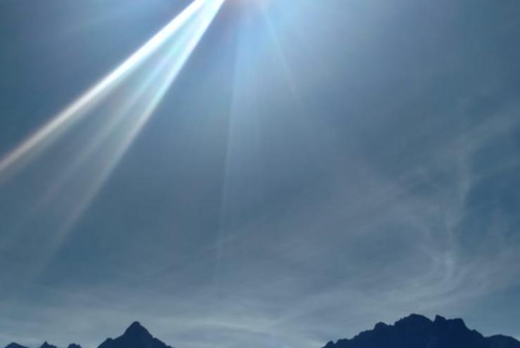 Macchu Picchu Sun's Rays.JPG