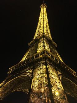PARIS A LA MODE