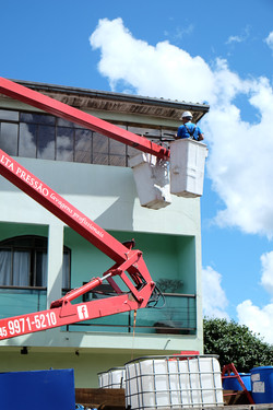 Lavagem fachada comercial