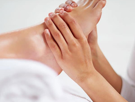 The Benefits Of A Foot Massage That Will Make You Want To Have One Now.