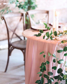 Sweetheart table for two🌿🕊 . . 📷 Phot