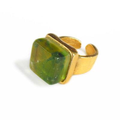Cube Ring, Wine
