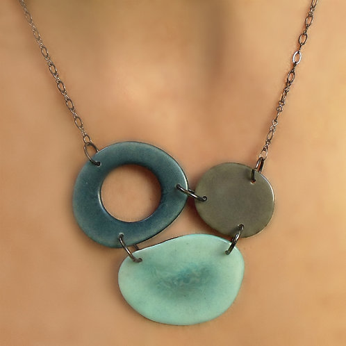Three Is Company Necklace, Smoke