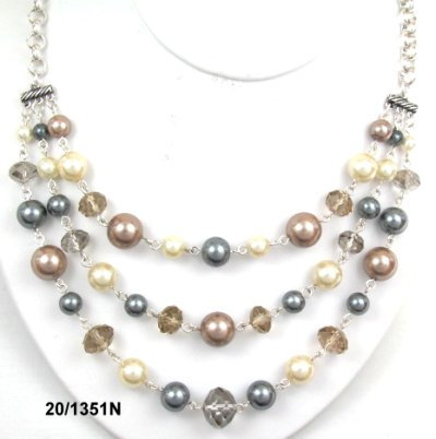 3 row pearl with glass bead necklace