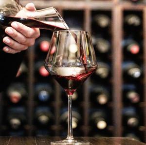 daniels-vineyard_wine_tasting
