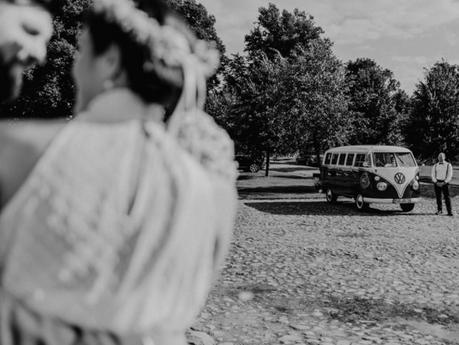 Es ist immer wieder schön Hochzeitspaare mit unseren Bulli´s Chauffieren zu dürfen. Natürlich können
