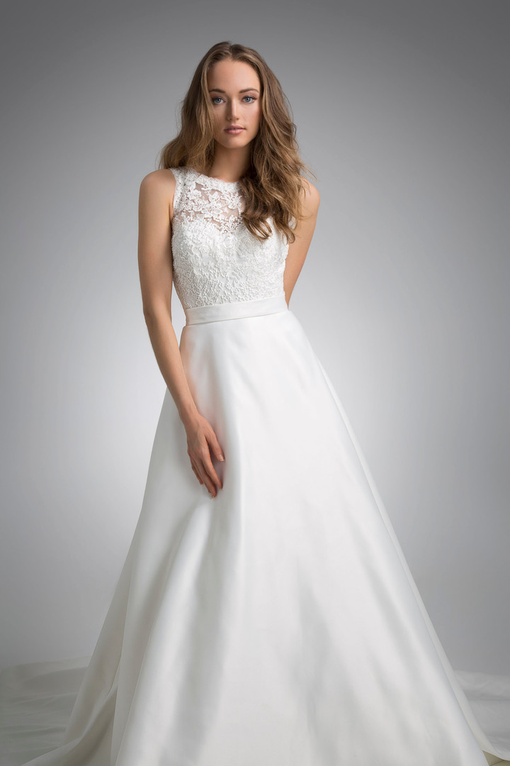 Flores Collection by Angel Rivera Bridal Gown Libi front detail