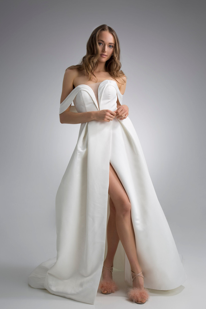 Flores Collection by Angel Rivera Bridal Gown Beckett front detail