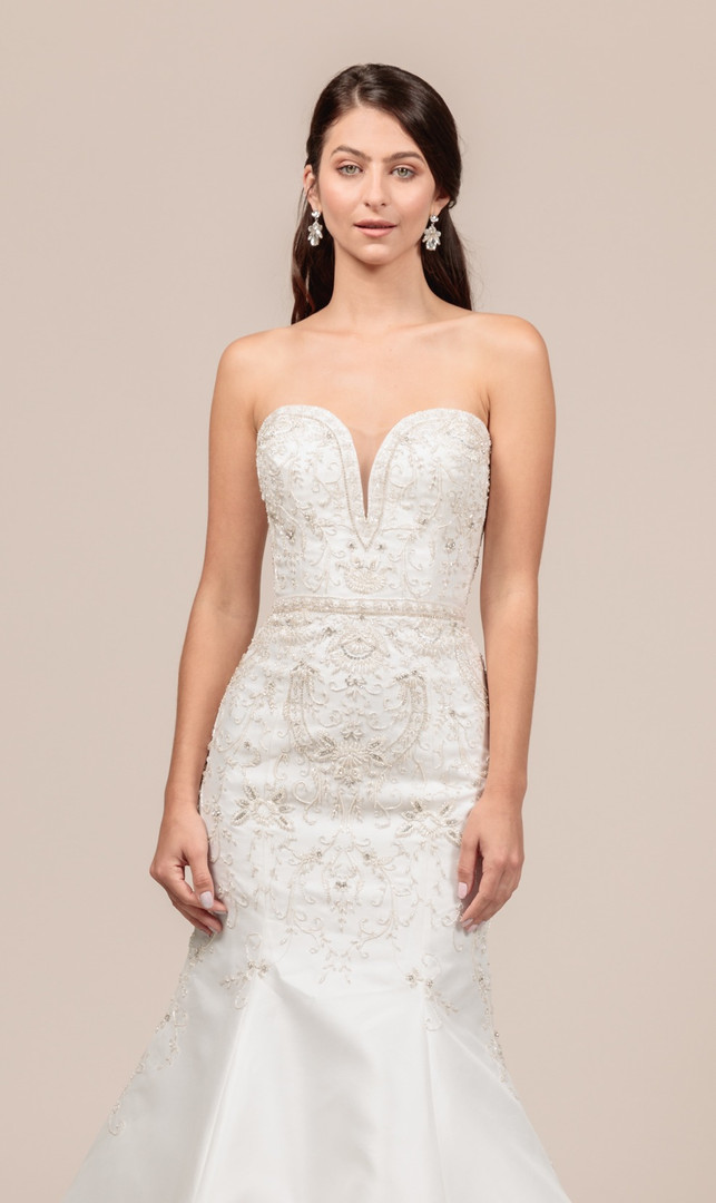 Angel Rivera bridal gown Opulent front detail