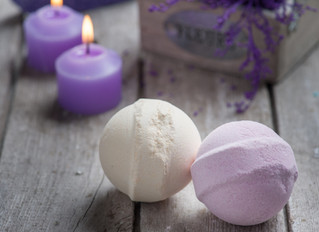 How to make bespoke Christmas gifts using essential oils