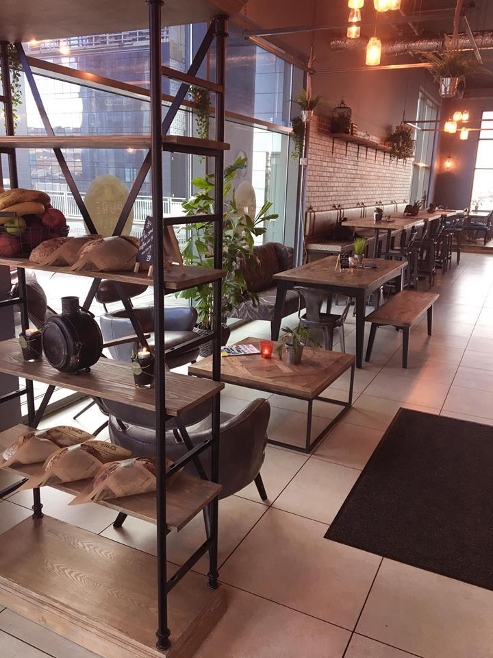 Restaurant, Pure Deli