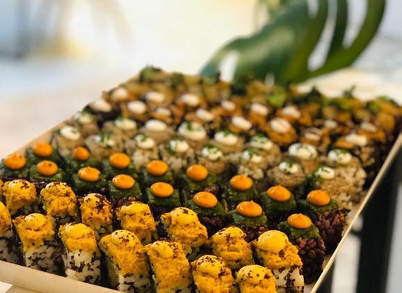 Sushi tray Roots & Rolls .JPG