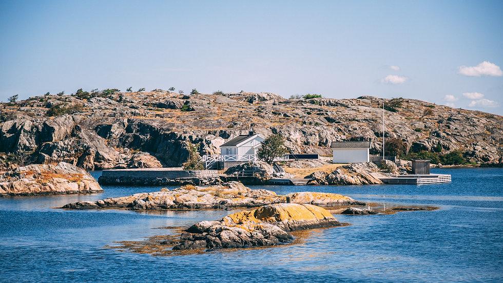 Island by Pontus Wellgraf.jpg
